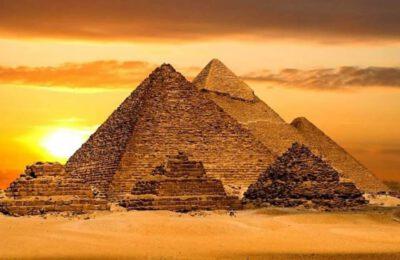 """Il turismo egiziano """"tornerà ai livelli pre-COVID-19 entro l'autunno 2022"""